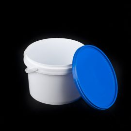 3 litre plastic bucket with lid